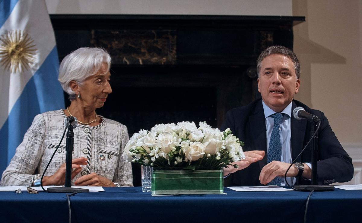Cuánto, cómo y con quién: reflexiones sobre la deuda públicaargentina